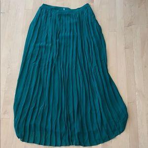 Dresses & Skirts - Emerald Green maxi skirt